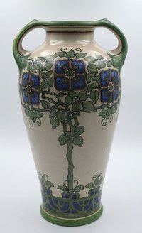 Vase in Keulenform